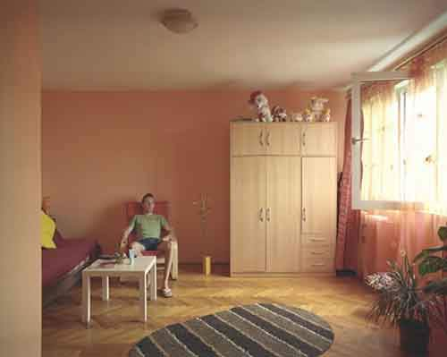how-differently-people-live-in-identical-apartments-artnaz-com-7