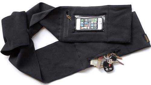 This-scarf-that-has-a-touchscreen-pocket.