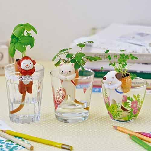cute-self-watering-ceramic-planters-38