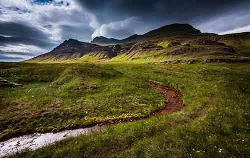 i-fell-in-love-with-iceland-but-its-a-complicated-relationship-12__880