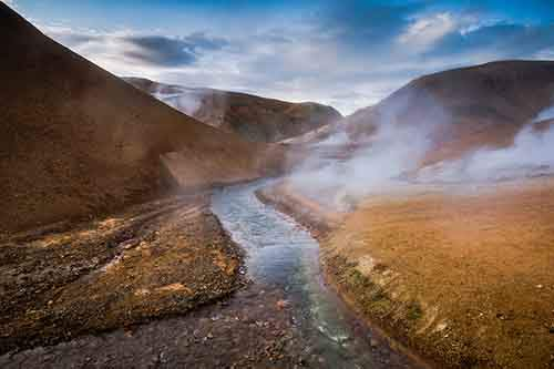 i-fell-in-love-with-iceland-but-its-a-complicated-relationship-13__880