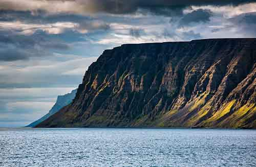 i-fell-in-love-with-iceland-but-its-a-complicated-relationship-15__880