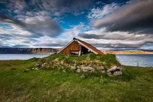 i-fell-in-love-with-iceland-but-its-a-complicated-relationship-16__880