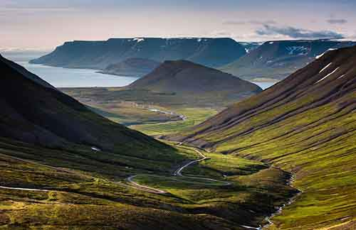 i-fell-in-love-with-iceland-but-its-a-complicated-relationship-18__880