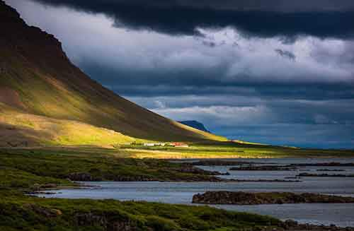 i-fell-in-love-with-iceland-but-its-a-complicated-relationship__880