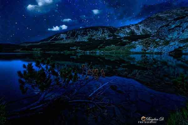 starry-sky-calcescu-lake