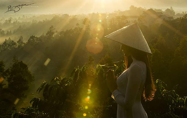 visions-of-vietnam-16-images-by-photographic-artist-nguyen-vu-phuoc-16__880