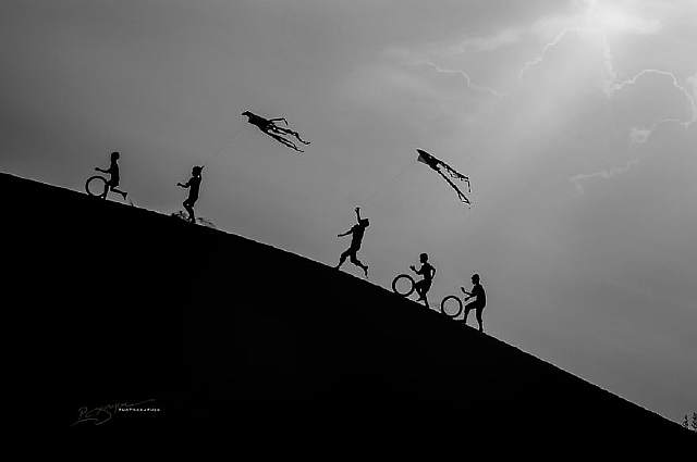 visions-of-vietnam-16-images-by-photographic-artist-nguyen-vu-phuoc-4__880