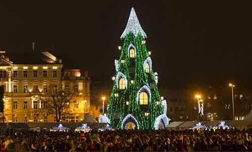 11-most-spectacular-christmas-trees-in-the-world-artnaz-com-3