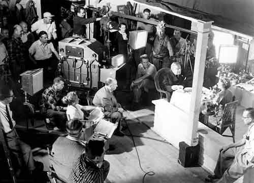 Awesome Behind The Scenes Photos From Old Movies (13)