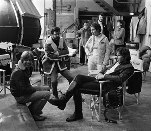 Awesome Behind The Scenes Photos From Old Movies (17)