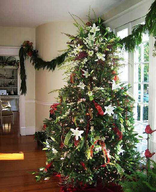 floral-christmas-tree-decorating-ideas-32__605