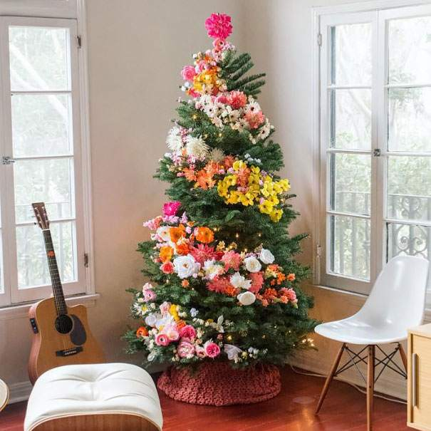 floral-christmas-tree-decorating-ideas__605