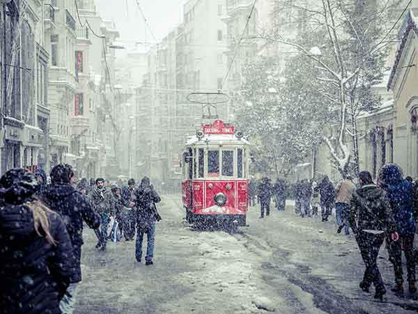istanbul-snow-ngpc2015_93173_990x742