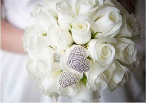 White-bridal-bouquets