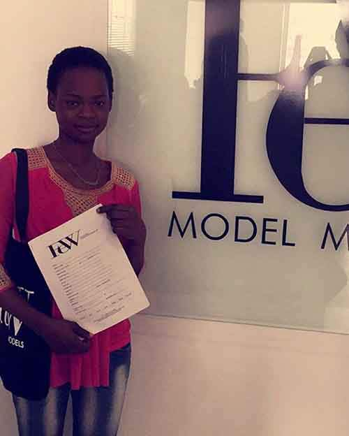 bread-seller-photobomb-modeling-contract-olajumoke-orisaguna-2