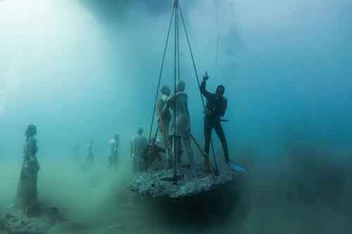 breathtaking-underwater-museum-turns-ocean-floor-into-art-gallery-and-doubles-as-artificial-ree-14__880