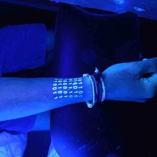 glow-in-dark-tattoos-uv-black-light-311__605