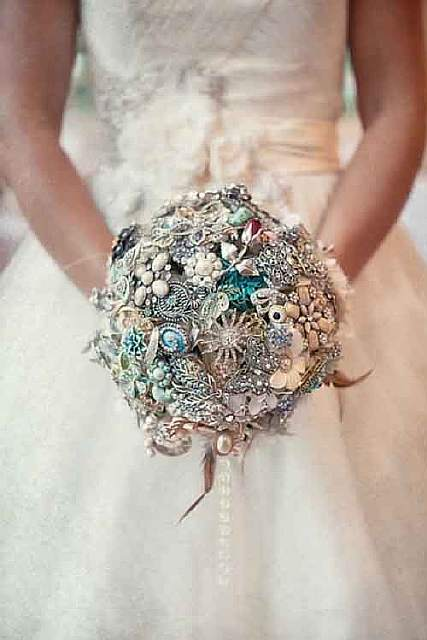 unique-bouquets-for-beach-weddings-
