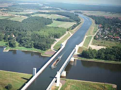 888005-800-1459101567-Magdeburg-Water-Bridge