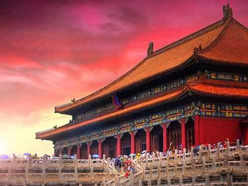 buildings-and-rooms-that-once-housed-emperors-