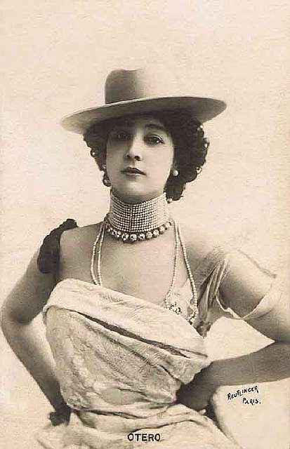 vintage-women-beauty-1900-1910-59__605