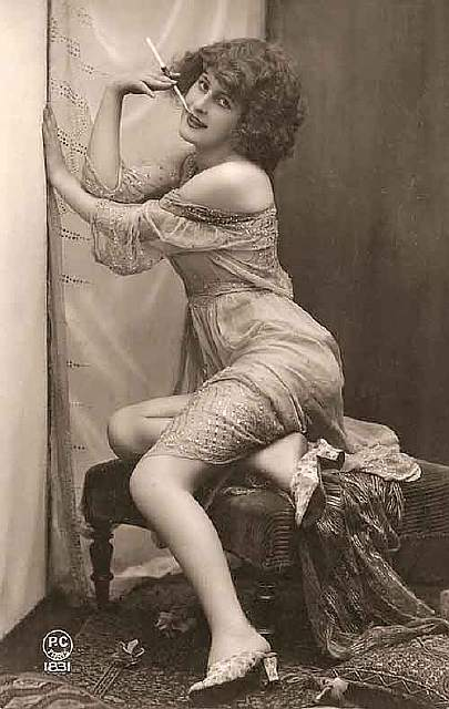 vintage-women-beauty-1900-1910-66__605