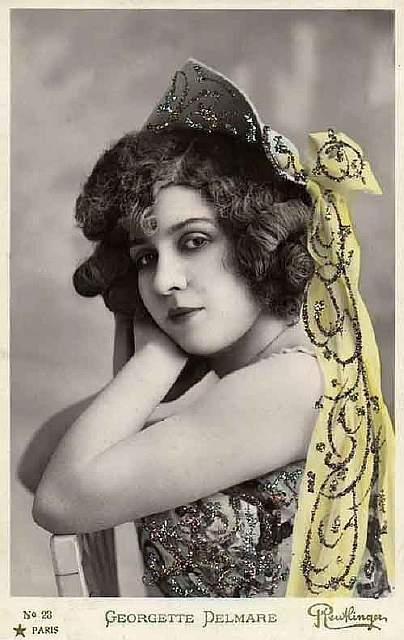 vintage-women-beauty-1900-1910-67__605