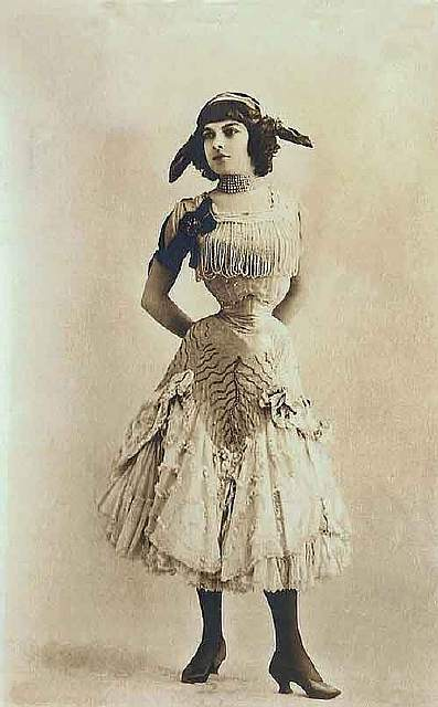 vintage-women-beauty-1900-1910-90__605