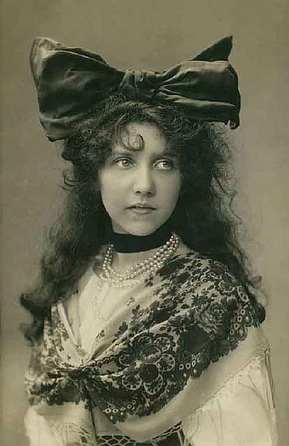 vintage-women-beauty-1900-1910-96__605
