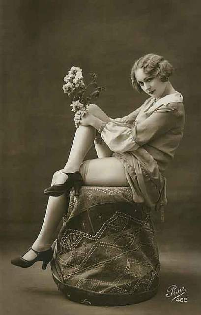 vintage-women-beauty-1900-1910-97__605