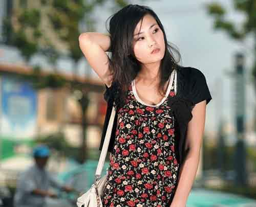 24-Asian_young_woman-610x494