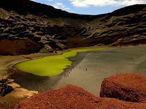 lanzarote-green-lake_94606_990x742