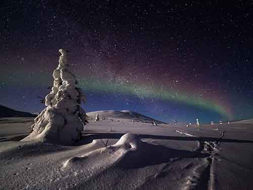lapland-night-sky_94614_990x742
