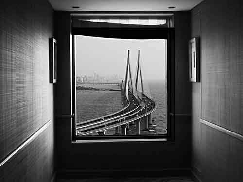 bandra-taj-window_95051_990x742