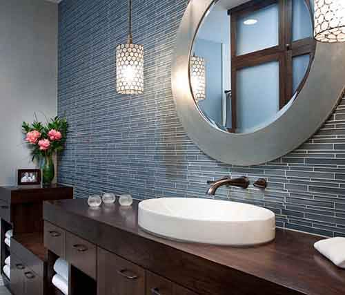 bathroom-with-round-creative-vanity-mirrors1
