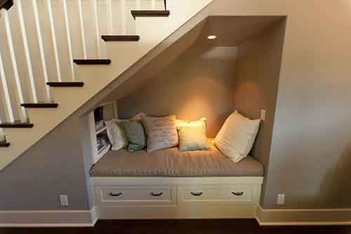 cozy-reading-nooks-book-corner-573092d1da4fc__700