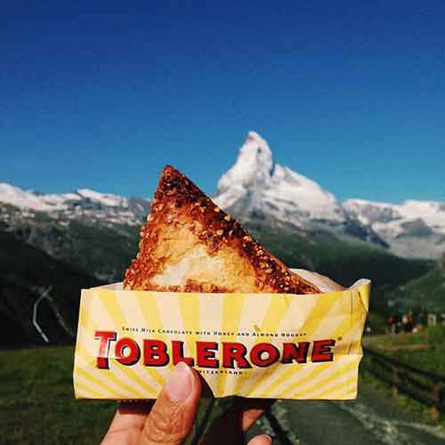 food-around-the-world-sweets-travel-girl-eat-world-23-57230271d6e3b__605