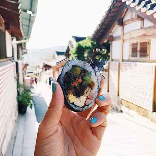 food-around-the-world-sweets-travel-girl-eat-world-24-572302743171d__605