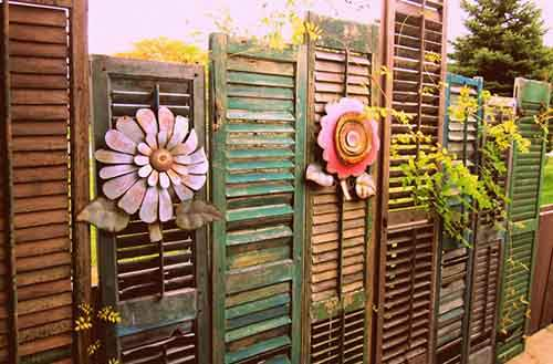 garden-fence-decor-ideas-2-572213db0cd1f__700