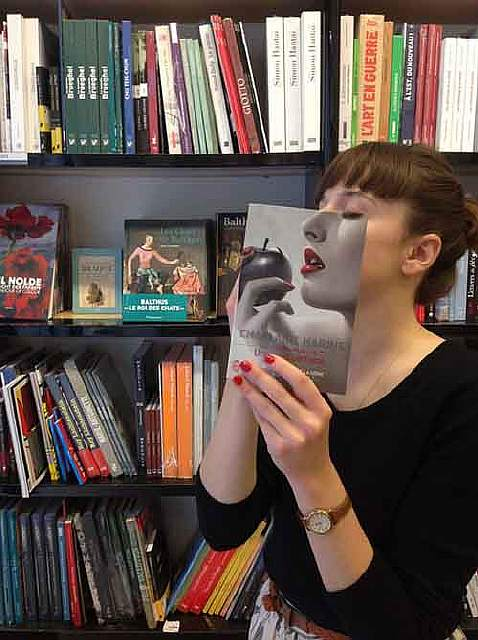 book-cover-face-illusion-perfectly-timed-photos-5-5763a45fcec1c__605