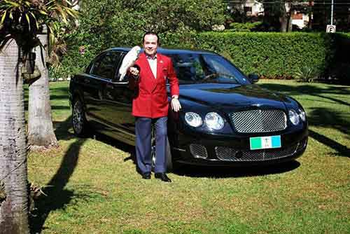 millionaire-sparks-uproar-with-demand-to-be-buried-with-bentley-raise-awareness-organ-donation-1