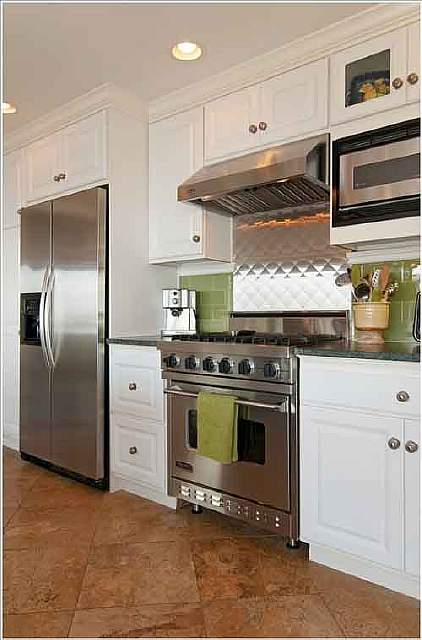 10-stove-backsplash-ideas-that-will-make-you-want-to-cook-4