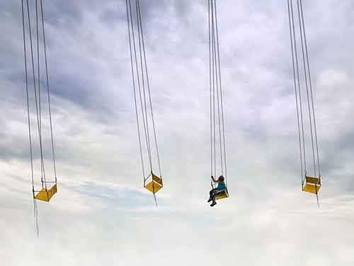 romania-fair-swings_95331_990x742