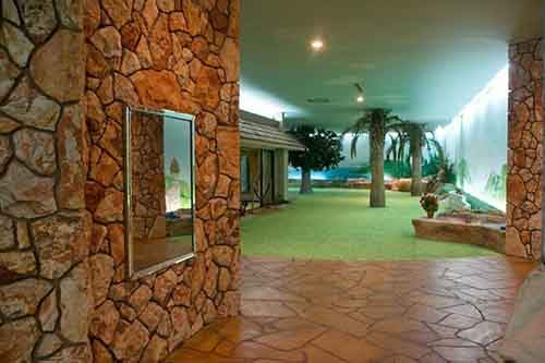 5000-sq-ft-cold-war-bunker-underneath-suburban-house-in-las-vegas-13