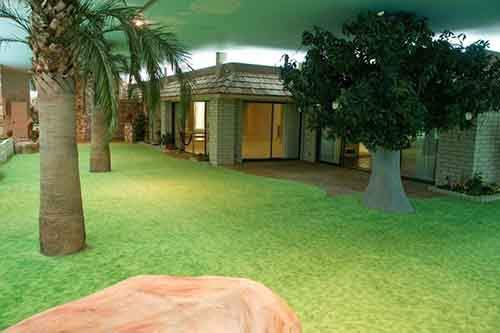 5000-sq-ft-cold-war-bunker-underneath-suburban-house-in-las-vegas-2