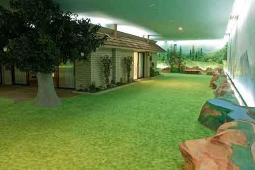5000-sq-ft-cold-war-bunker-underneath-suburban-house-in-las-vegas-3