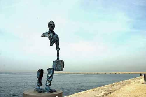 amazing-sculptures-17-57baeedfb3a8f__880