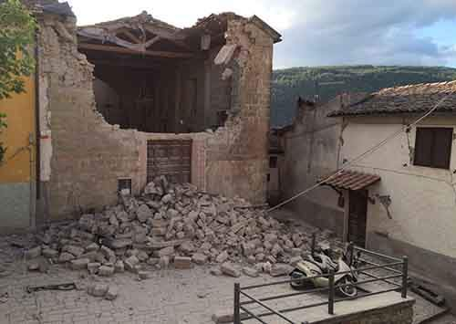 italy-earthquake-before-after-1-1