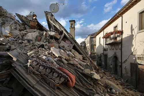 italy-earthquake-before-after-27